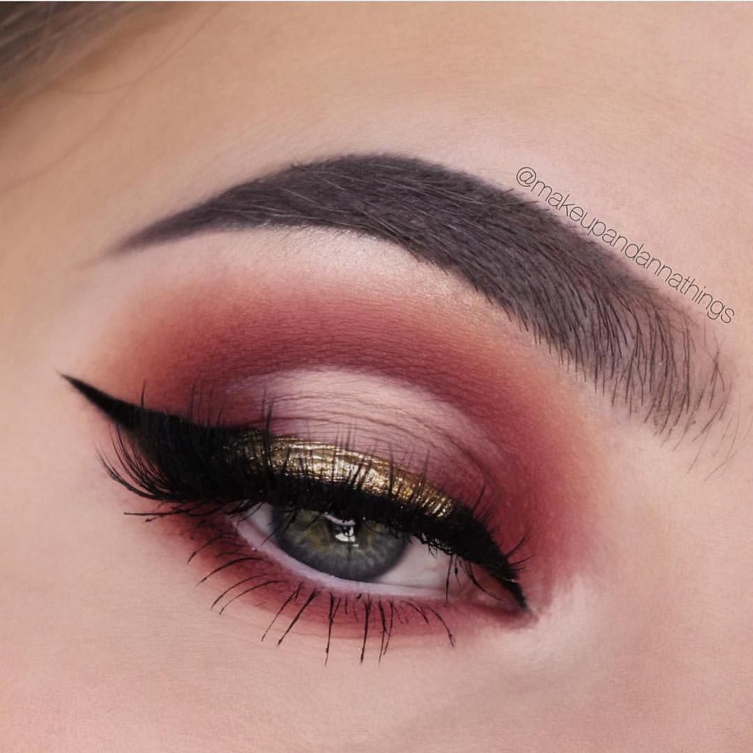 Fabulous eye makeup ideas make your eyes pop Half cut creases - #eyemakeup #makeup #eyes #beauty mua #eyeshadow