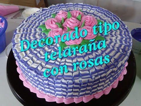 7 Pastel Decorado Tipo Telaraña Con Rosas De Crema