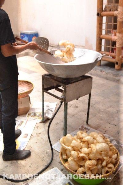 Kerupuk Lambak Dari Kulit Kerbau Cocok Buat Makan Empal Gule Makanan Kulit Kerbau