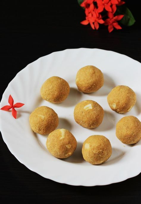 Besan ladoo recipe how to make besan ladoo besan laddu recipe besan ladoo chickpea flour ladoo recipe ladoo indianfood forumfinder