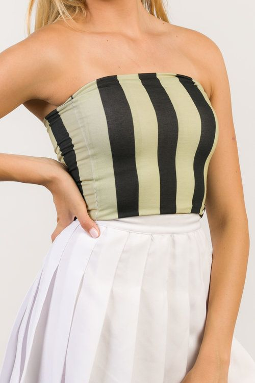 Black & Gold Striped Tube Top — Hype & Vice -Best gameday outfits for university tailgates #tubetopoutfits