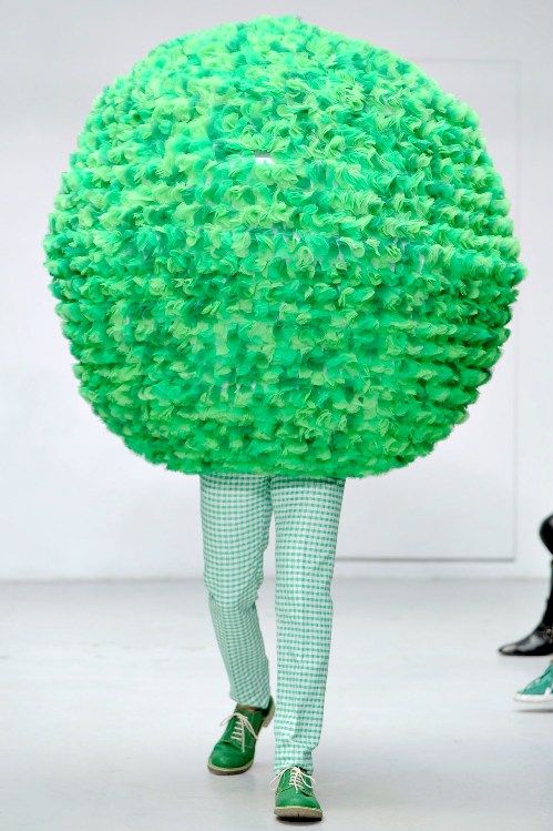 Why Are Runway Clothes So Weird: Meet Me At The Coffeeshop, You Can't Miss Me, I'm Wearing