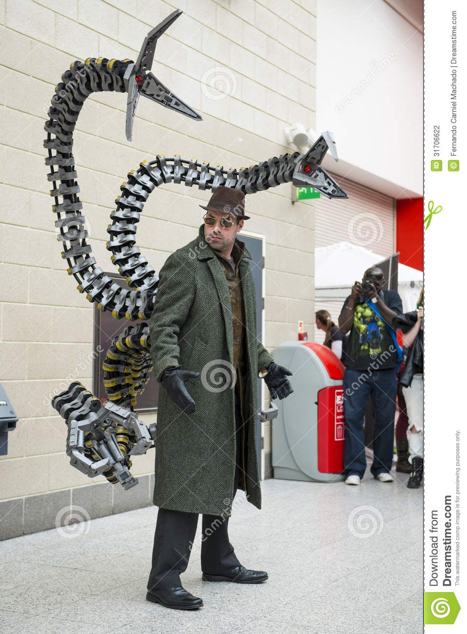Doctor Octopus Cosplay Google Search Cosplay Pinterest
