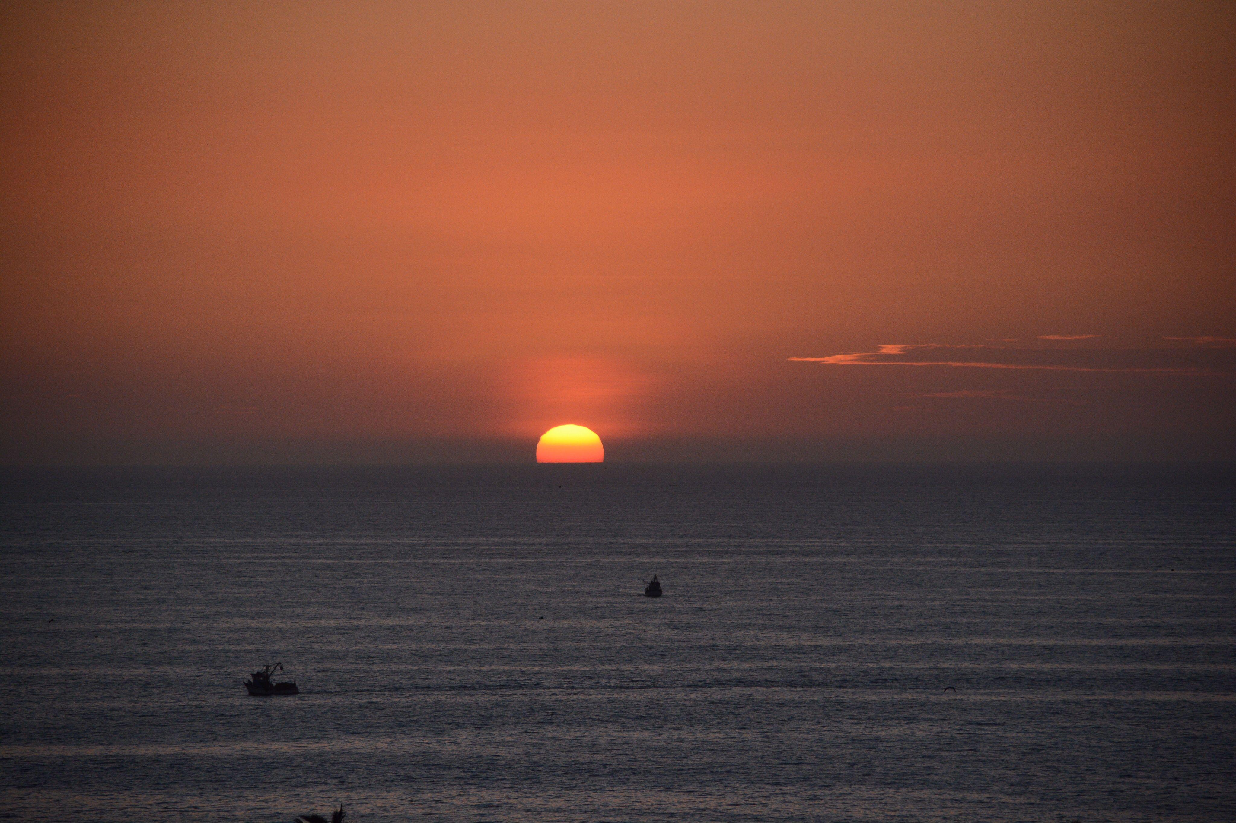 mancora , Peru sunset