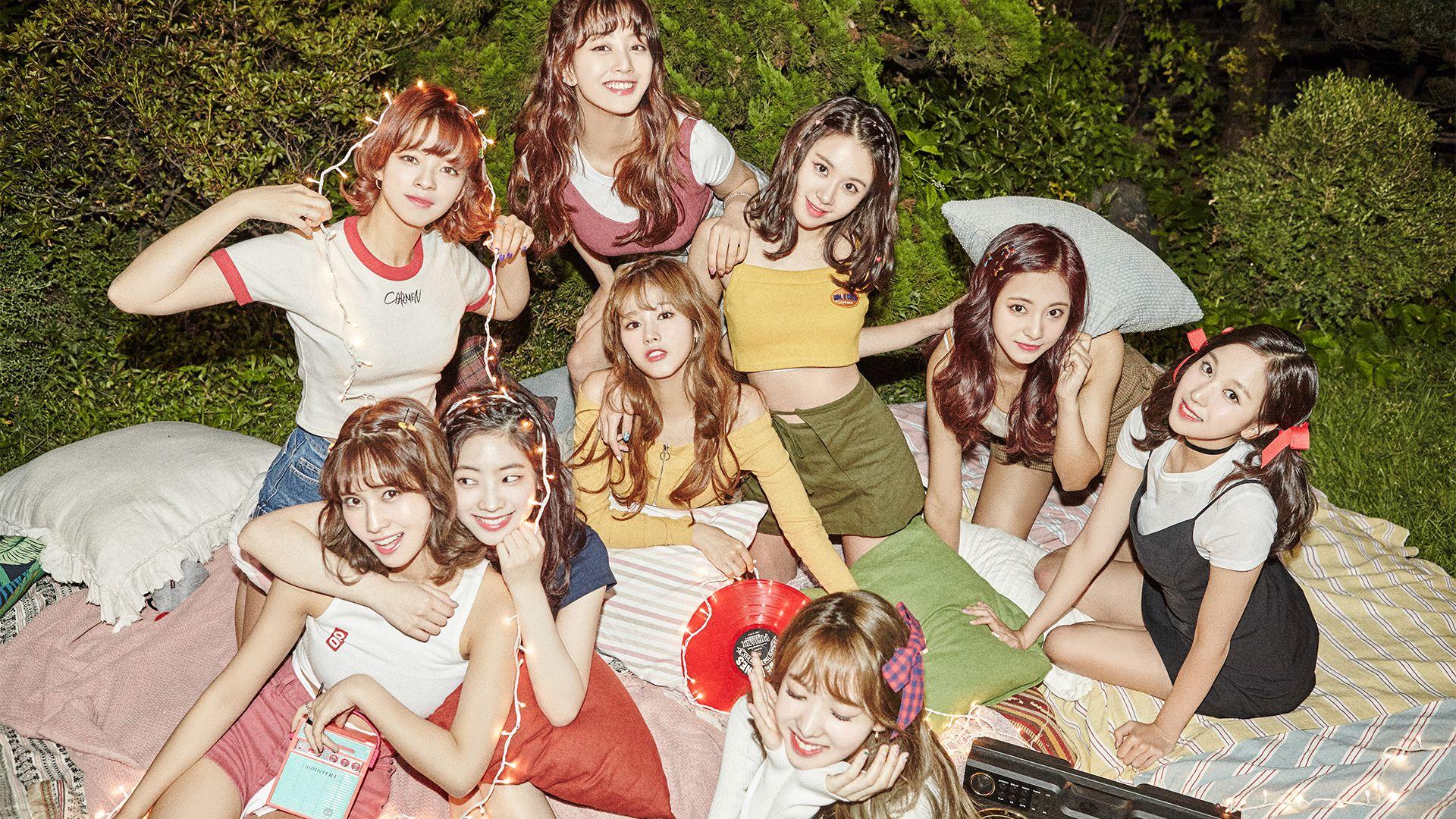 Desktop Wallpaper / TWICE 트와이스 Kpop girls, Twice