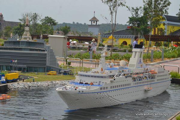 Miniland at Legoland Malaysia, Model Up Close: Singapore's ...