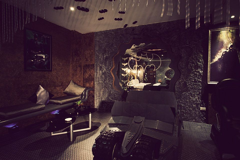 eden hotel s batman suite scenery pinterest batman batcave rh pinterest ie