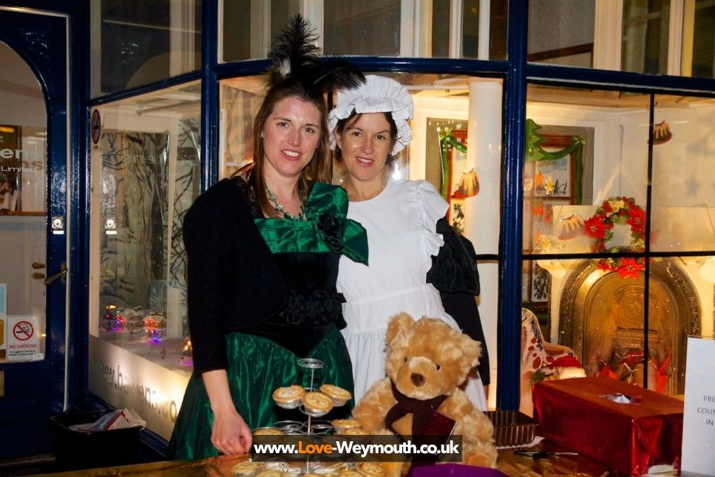 Victorian Shownight Battens Solicitors winners of best dressed window