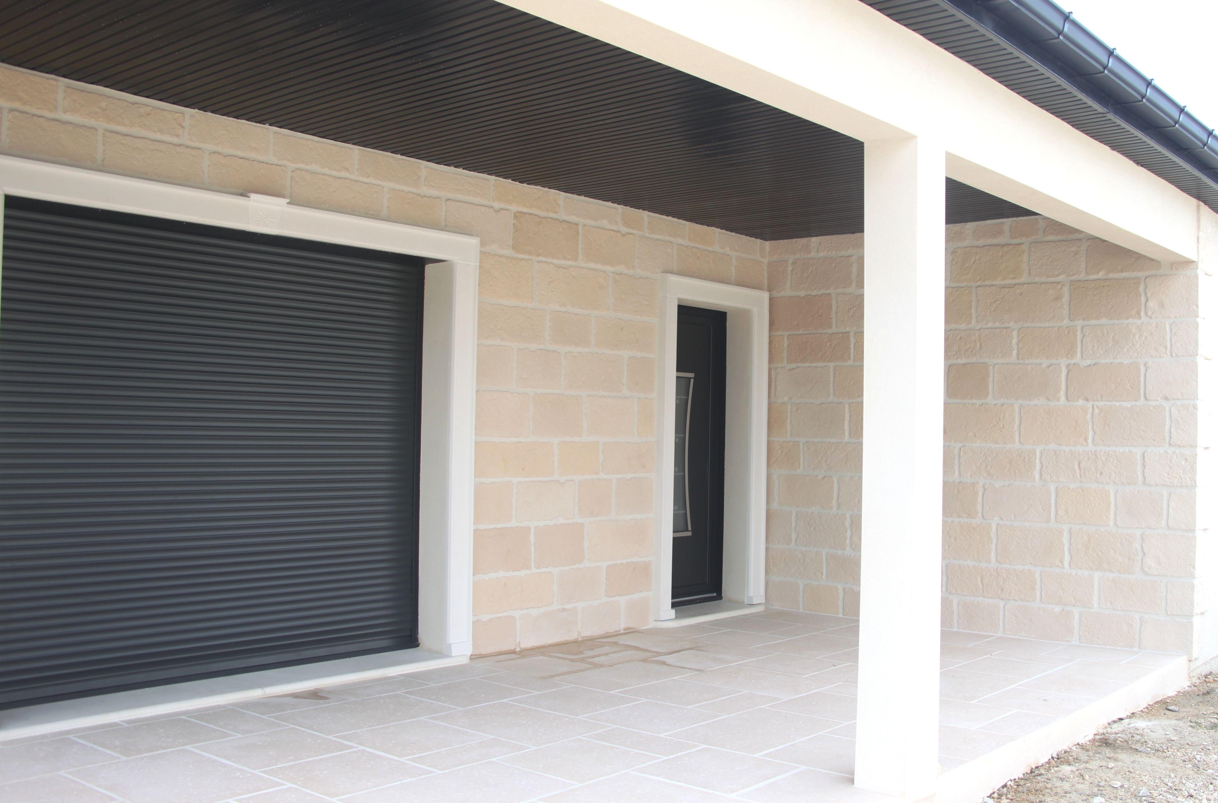 Habillage De Porte-fenêtre Et Porte Du0027entrée En Plaquettes Du0027encadrement  Moulurées