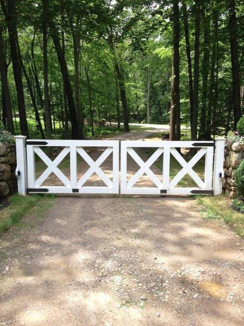 Wood Cross Buck Post And Rail Automated Entry Gate For