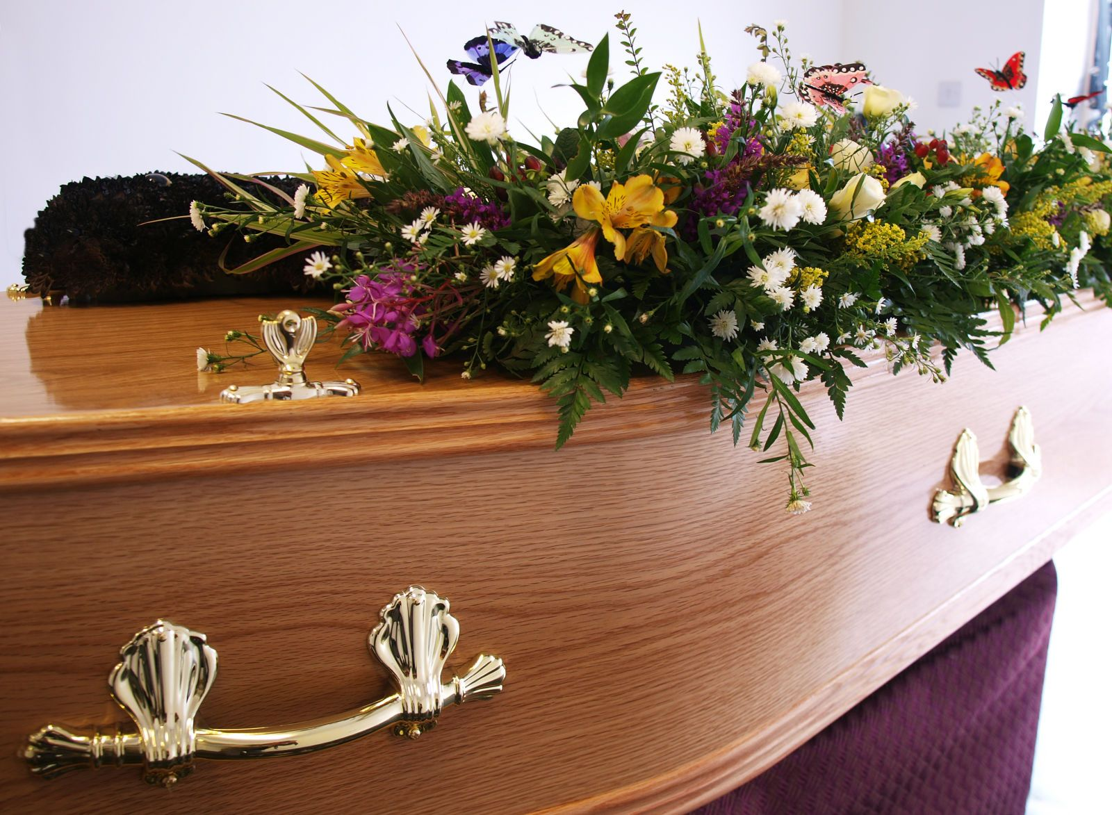 10 unspoken funeral etiquette rules every guest should follow 10 unspoken funeral etiquette rules every guest should follow izmirmasajfo