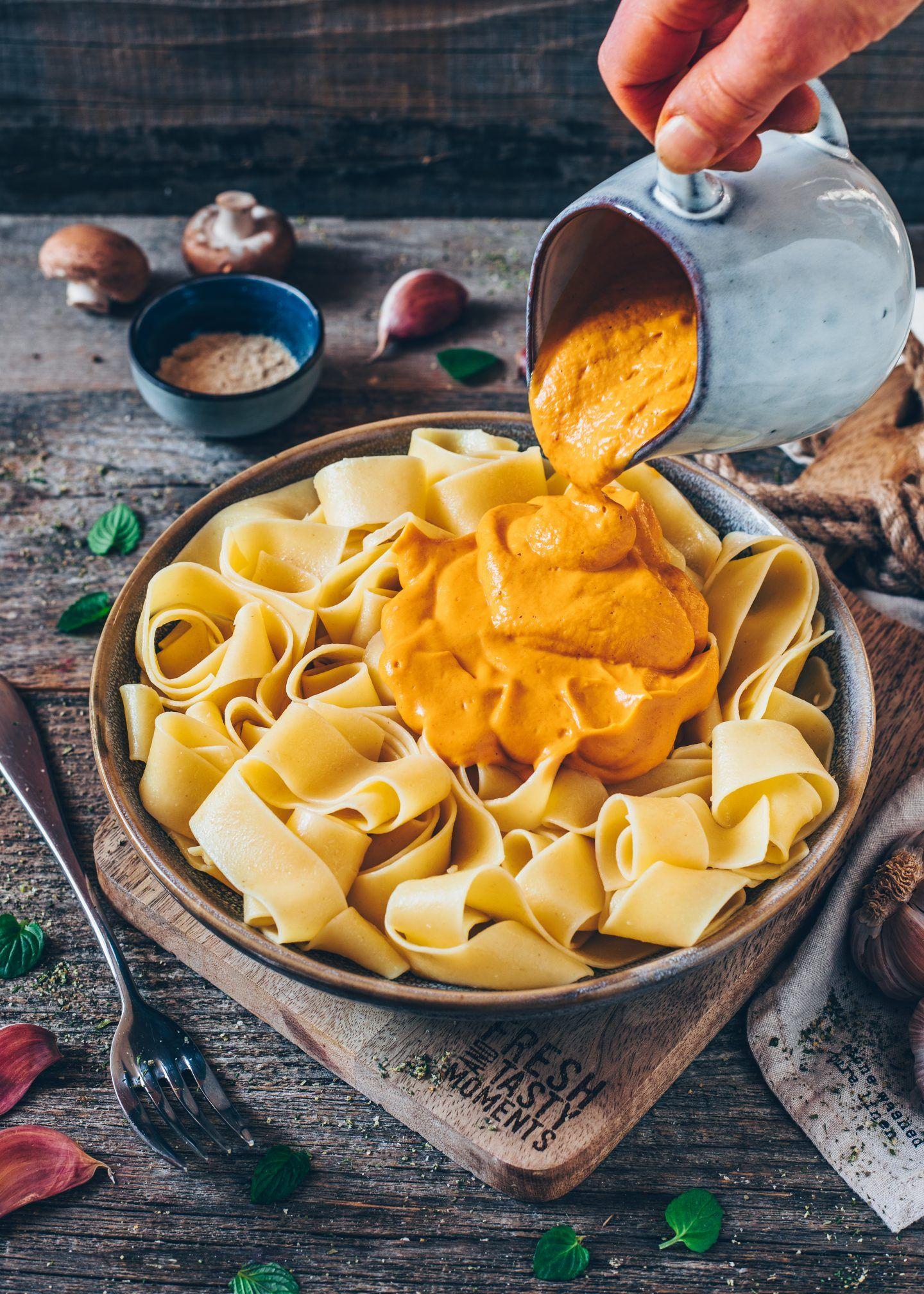 Süßkartoffel-Pasta-Sauce (vegan, cremig) - Bianca Zapatka | Rezepte