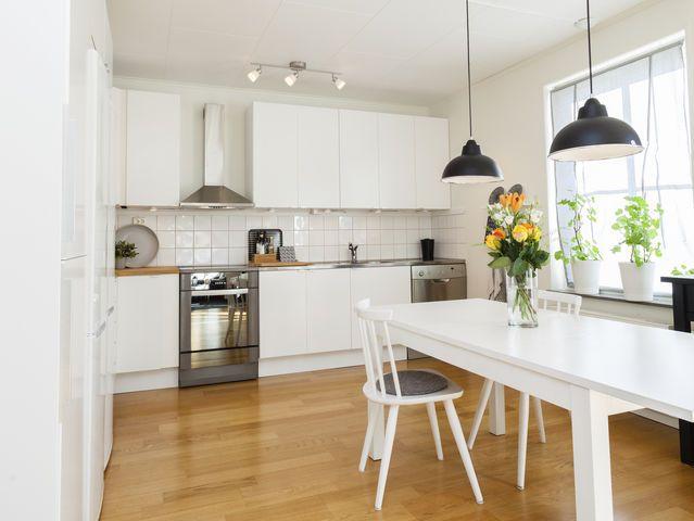 Ways Travel Cheaply College Luxury Vinyl Plank Flooring Kitchen
