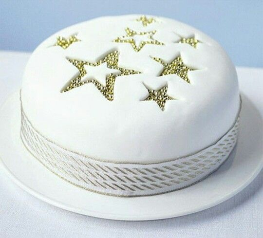 Cut out stars christmas cakes pinterest a simple effective cake that can be iced in 30 minutes from bbc good food forumfinder Gallery