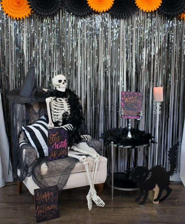A Frightfully Fun Halloween Themed Photo Booth Halloween