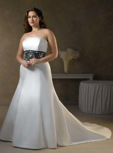 Simple Strapless Black White Plus Size Wedding Dress