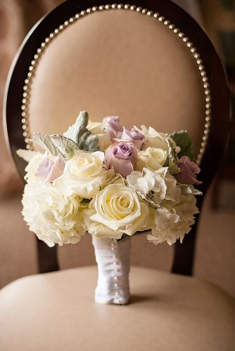 Rose & hydrangea bouquet (Flowers by Lee Forrest Design, photo by: Laura Yang Photography)