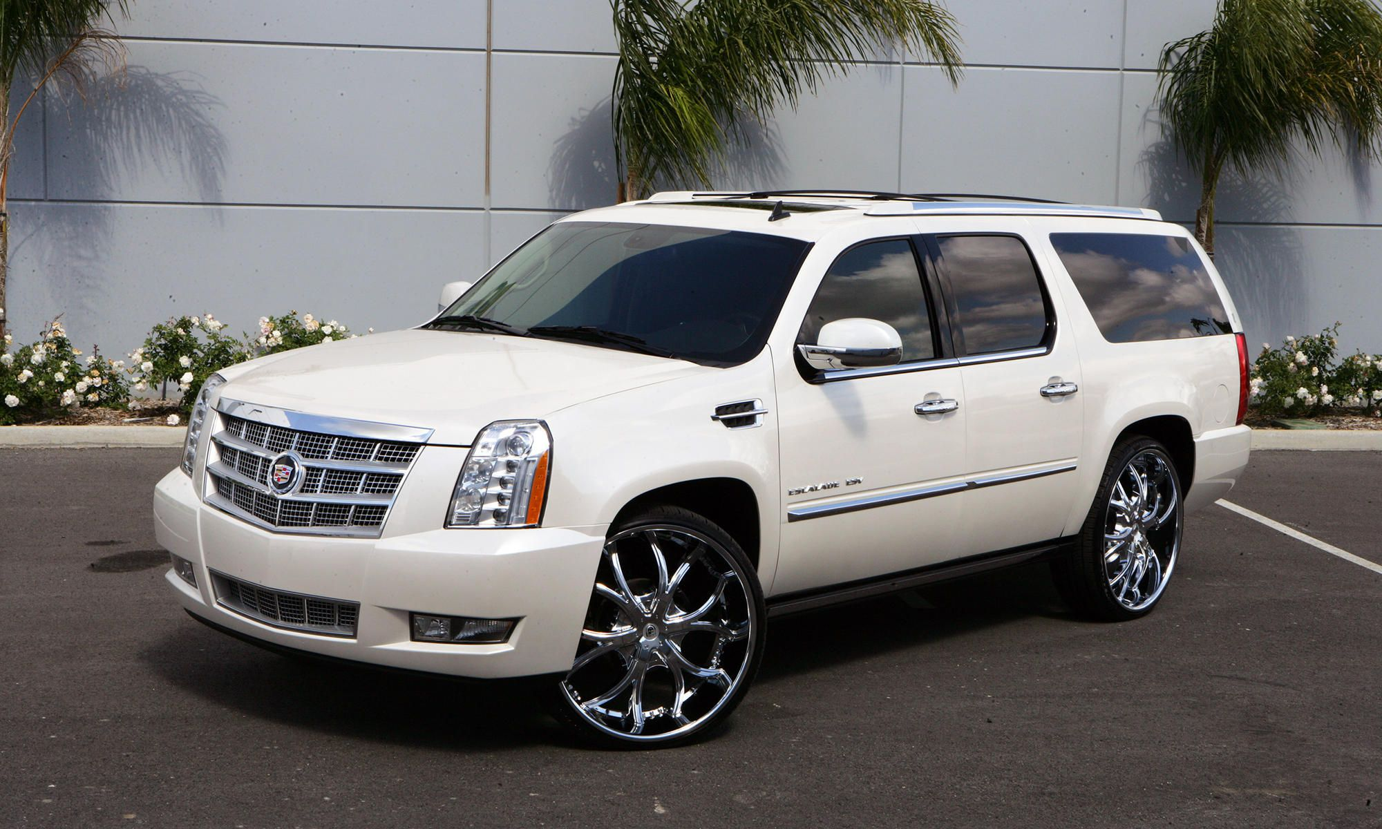 lexani wheels the leader in custom luxury wheels white 2010 cadillac escalade with chrome dial. Black Bedroom Furniture Sets. Home Design Ideas