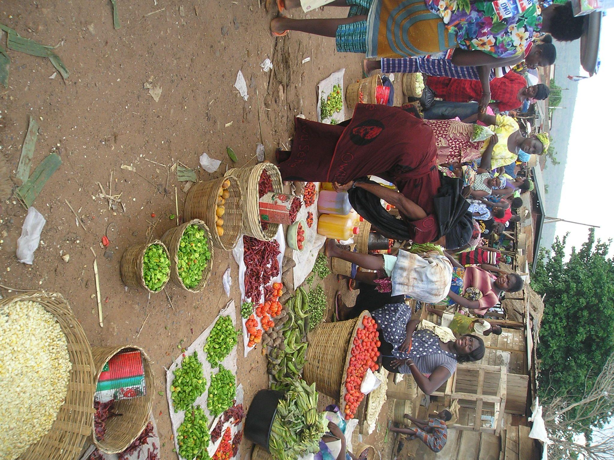 Marktszene #Ghana - bunt, turbulent, interessant! http://www.projects-abroad.de/ziellander/ghana/