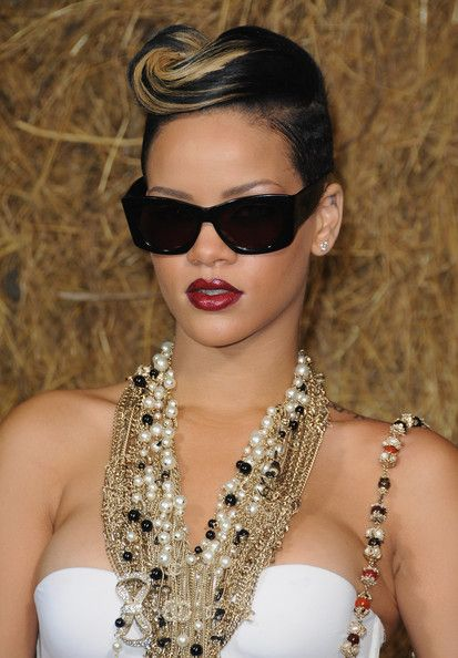 Rihanna in Chanel - Paris Fashion Week Spring/Summer 2010