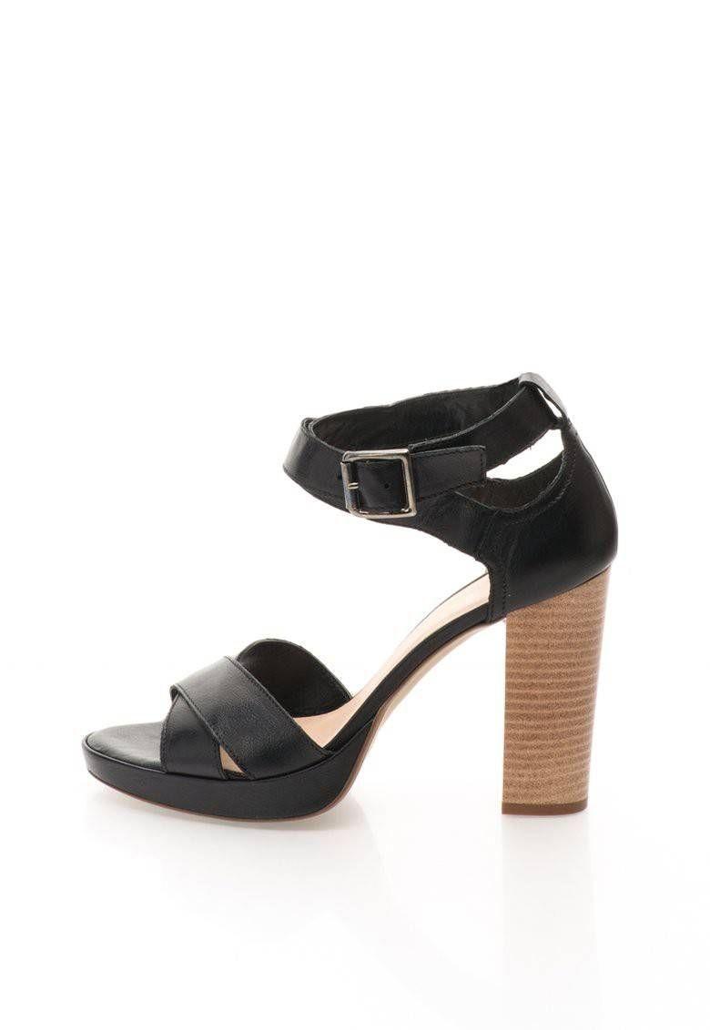 b4320435c396 Sandale negre din piele cu toc masiv Lucie - Versace 19.69 Abbigliamento  Sportivo - www.iconly.ro
