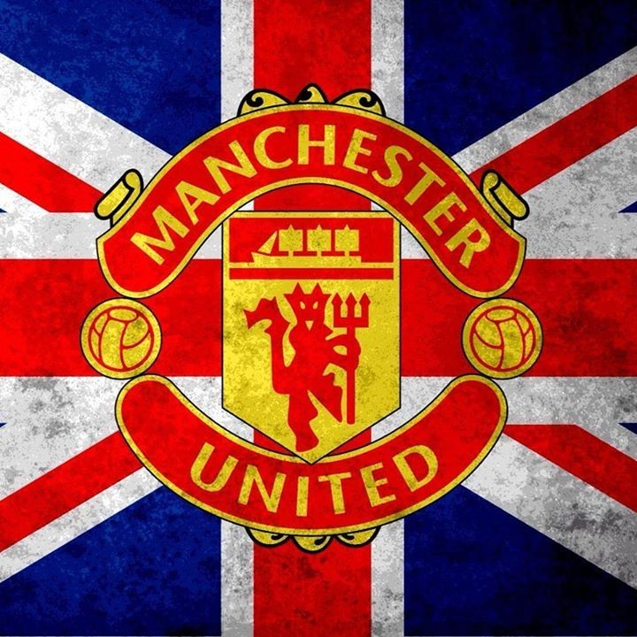 Another great manchester united picture i love and like the union jack flag with the manchester united emblem inside it voltagebd Image collections