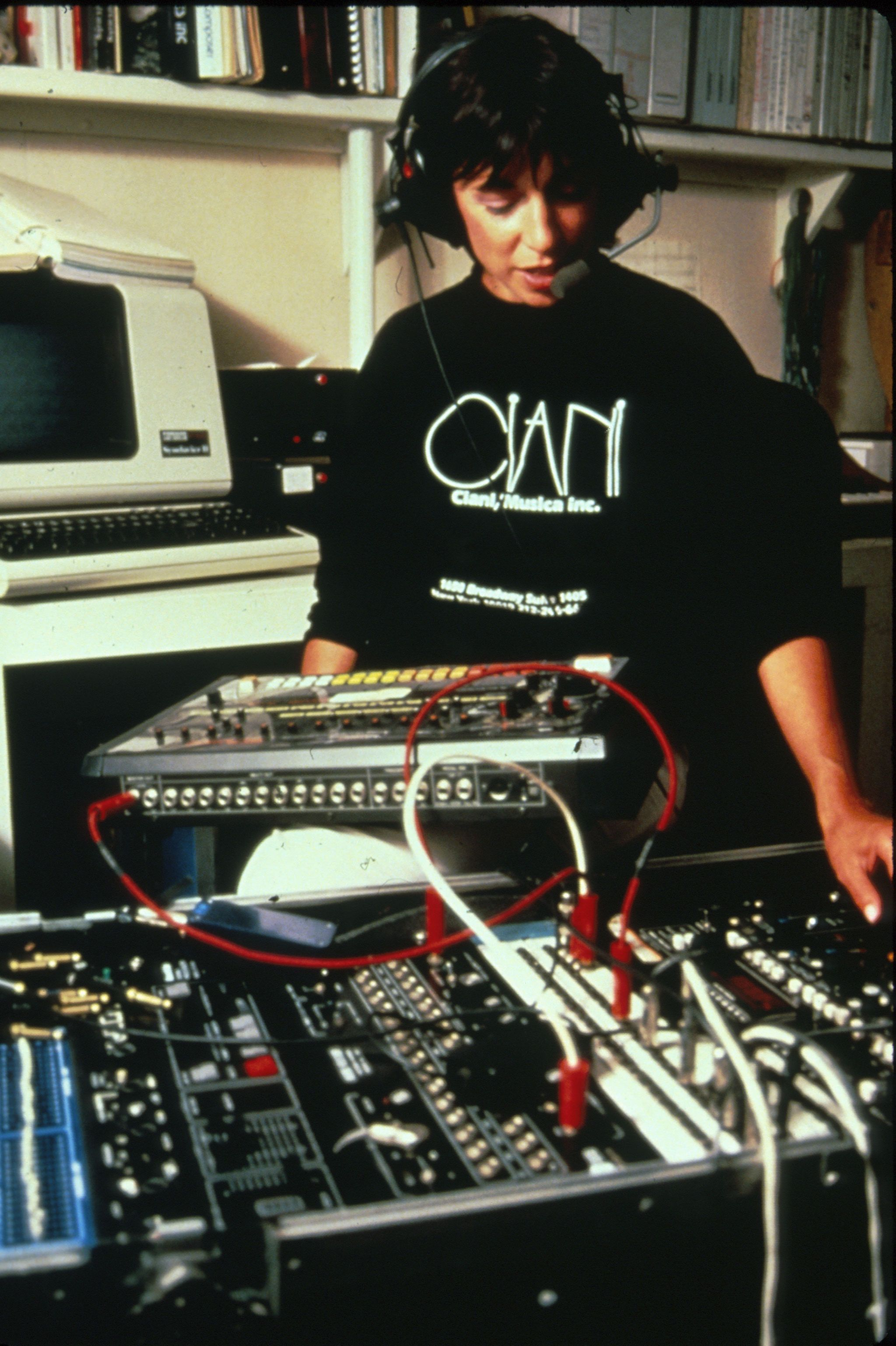 Suzanne Ciani, 808 & Custom voice box rack  | Synthesizers! | Music