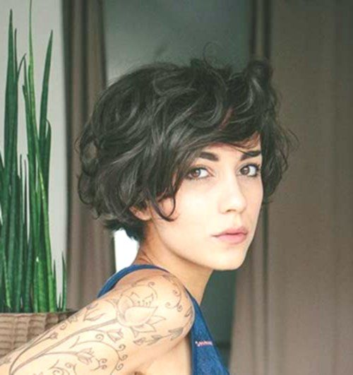 Trend Short Haircuts For Fine Hair In 2019 Women Hairstyle Fix In 2020 Fine Curly Hair Curly Hair Styles Naturally Short Wavy Hair