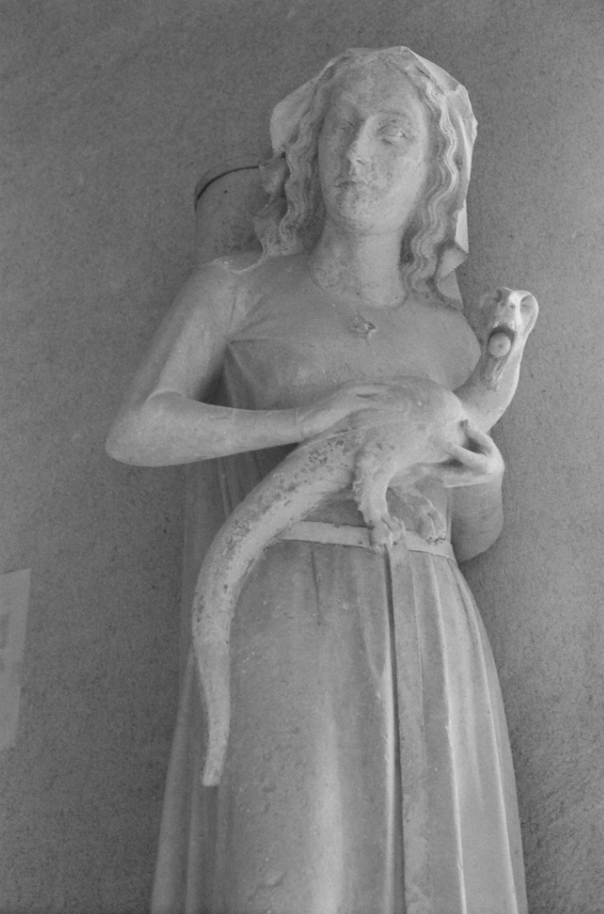 A Maiden and her pet Dragon Sculpture, Notre-Dame de Reims Cathedral, Reims, France