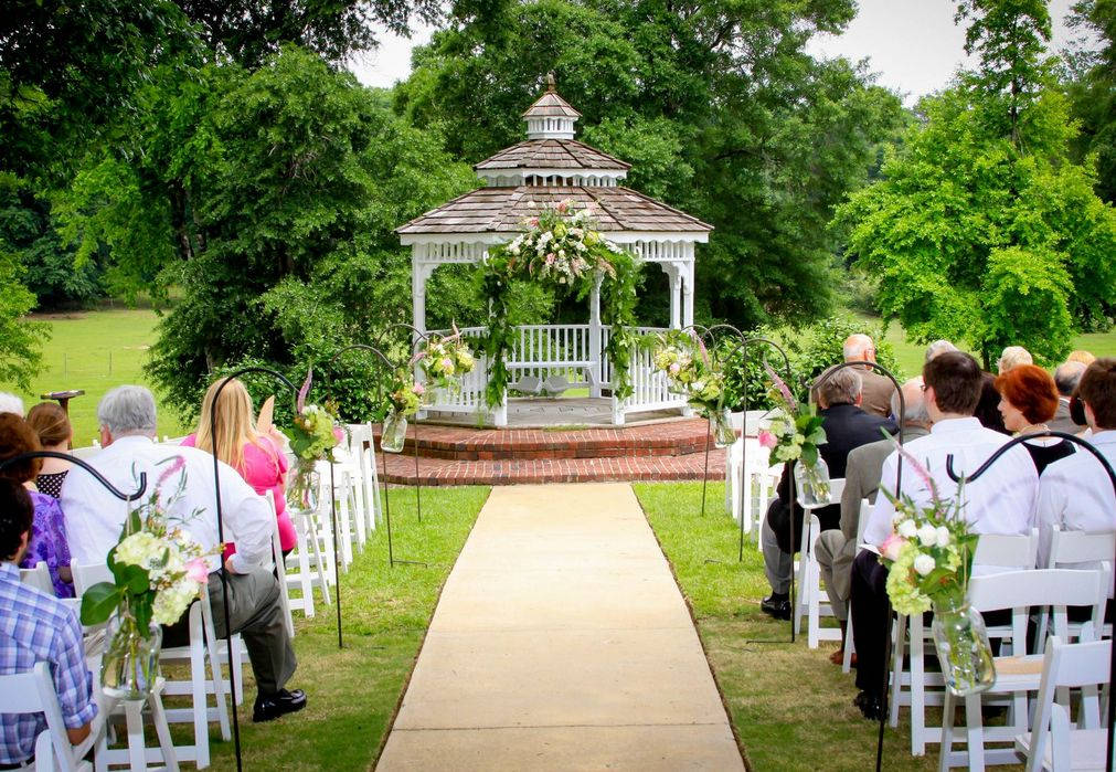 Find Southern House Garden Wedding Venue One Of Best Wedding Venues In Birmingham Al Wedding Venues Venues Garden Wedding Venue