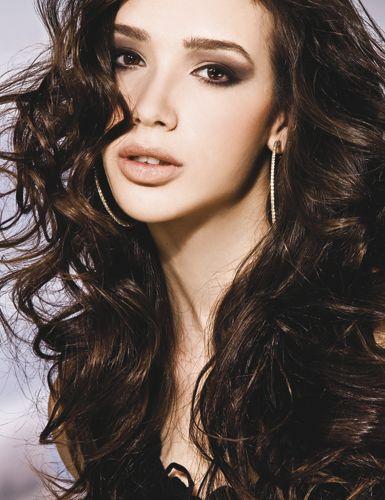 Tem cabelo cacheado? Vem aprender a cuidar! http://www.feminices.blog.br/dicas-para-tratar-os-cabelos-cacheados/