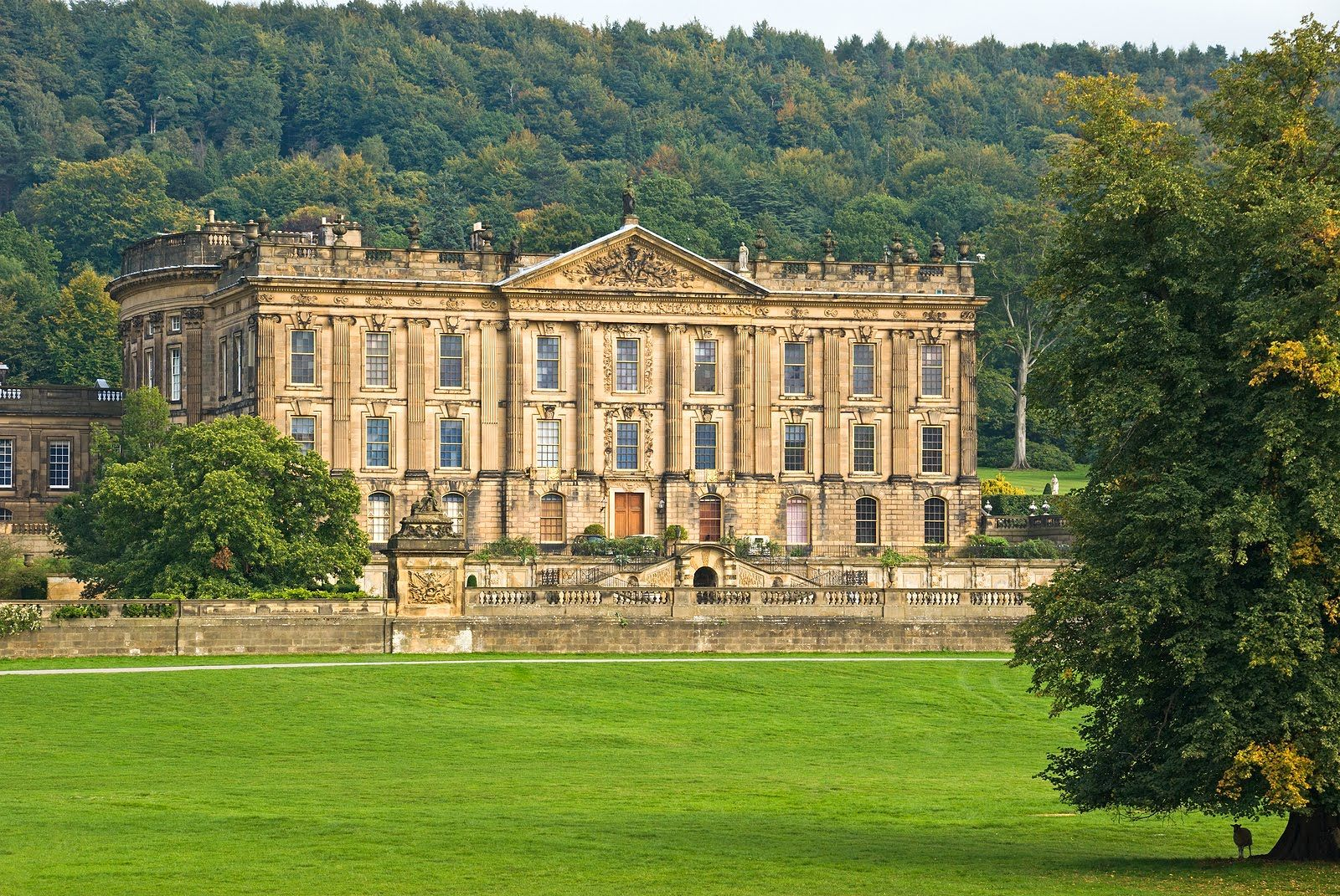 Chatsworth house in derbyshire pretty places pinterest