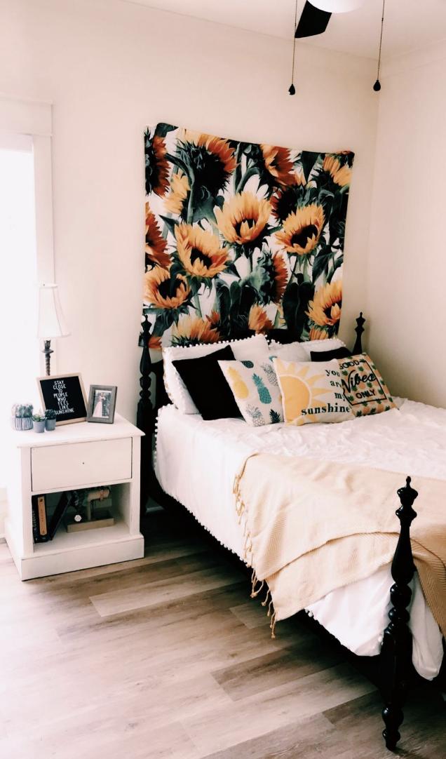 The Sunflower Tapestry In 2020 Dorm Room Decor Pink Room Design