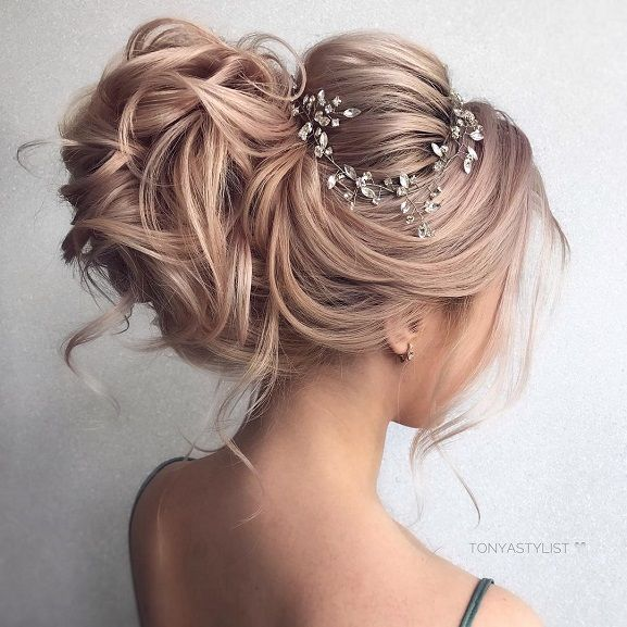 Rustic Wedding Hairstyles: Wedding Hairstyle Inspiration,Messy Wedding Hair Updos For