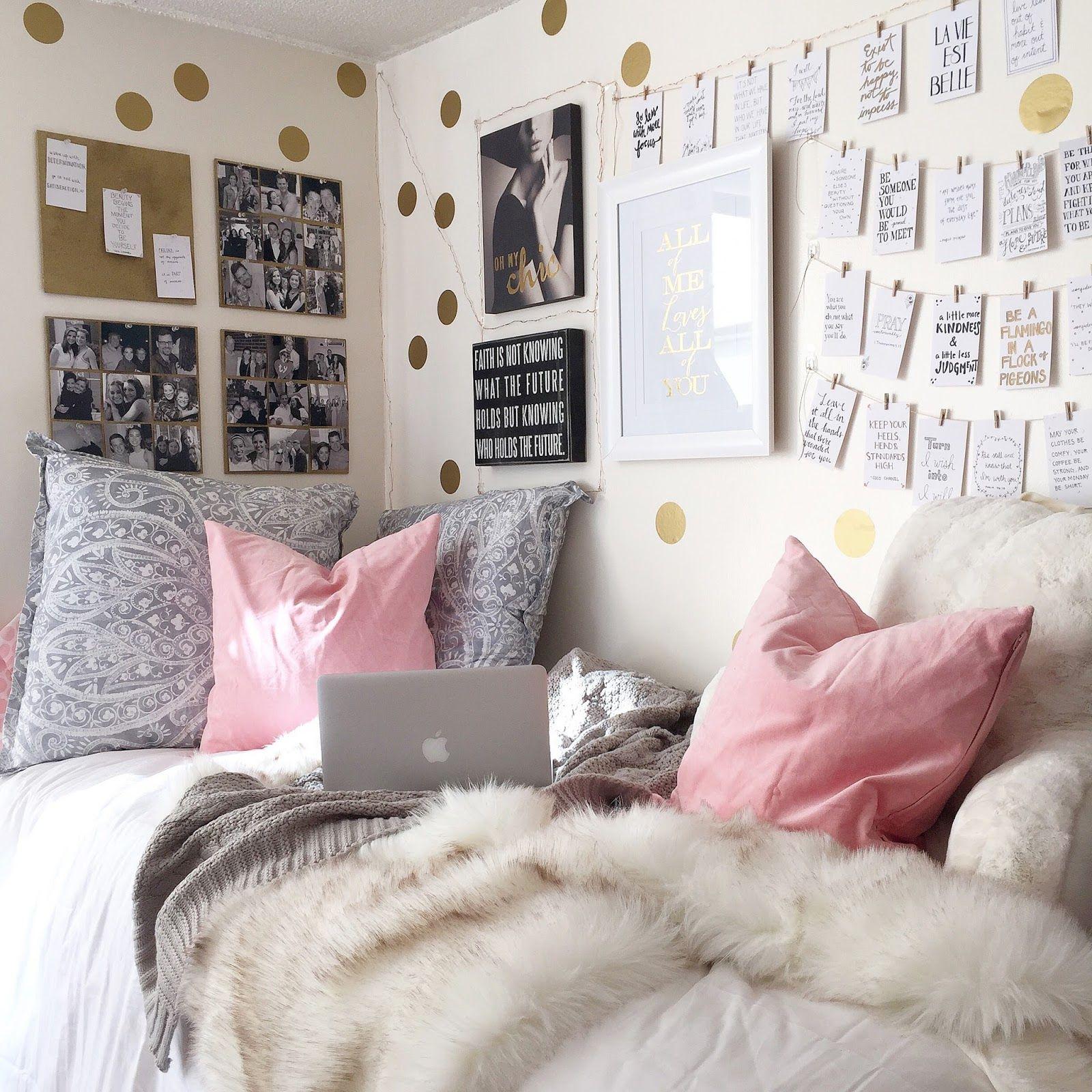 Pretty Dorm Room   B   W photos on corkboard above bed  gold polka dot. Pretty Dorm Room   B   W photos on corkboard above bed  gold polka