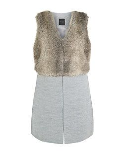 2ebafd4c52a93 Grey Faux Fur Contrast Sleeveless Jacket