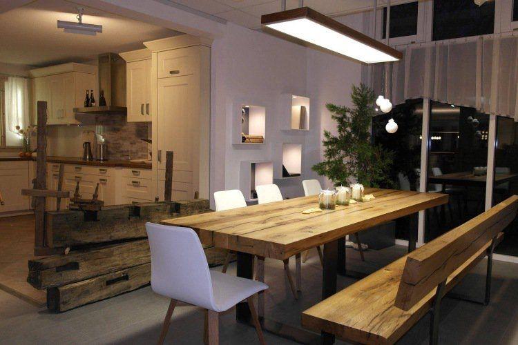 table en bois massif haut de gamme en 27 photos table en bois massif tables en bois et bois. Black Bedroom Furniture Sets. Home Design Ideas