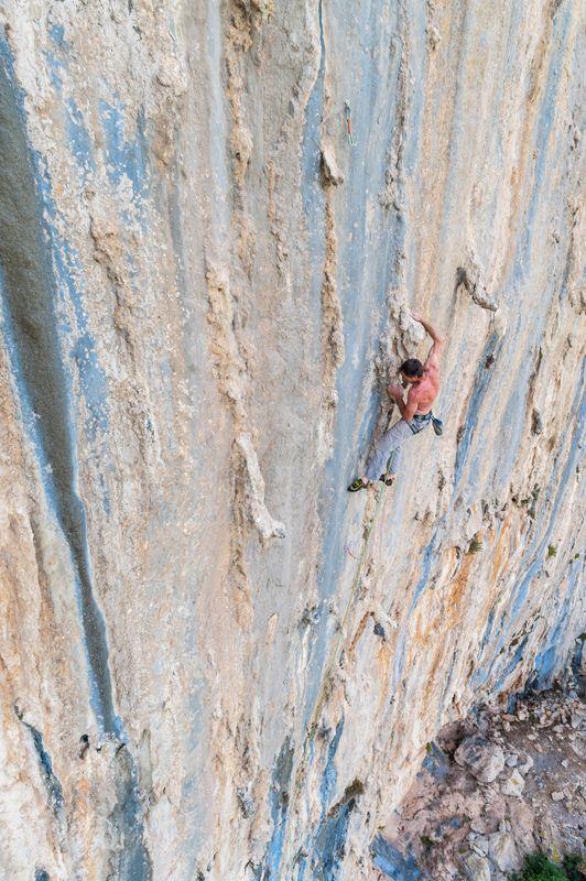 Tunisia Rock Climbing At Zaghouan Tunisia Youri Picart Planetmountain Com Rock Climbing Climbing Big Wall Climbing