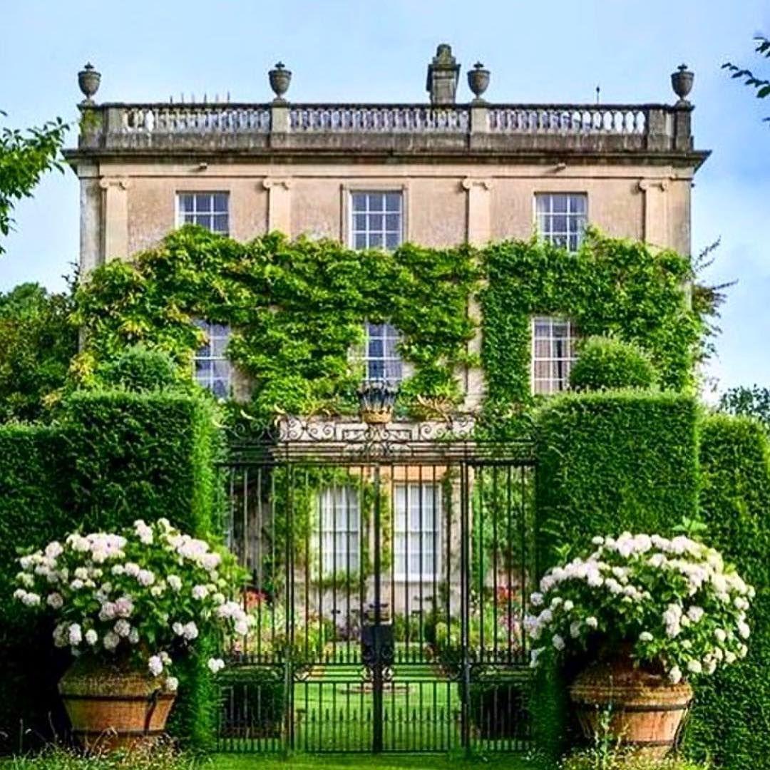 Highgrove Royal Gardens - Stunning surrounds, over 35 ...