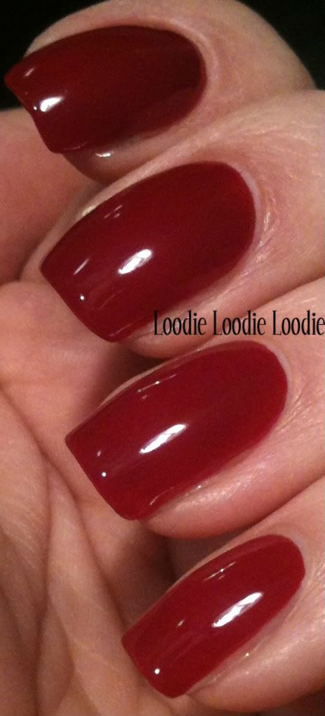 loodie loodie loodie- A great blog that has excellent tutorials about nails.