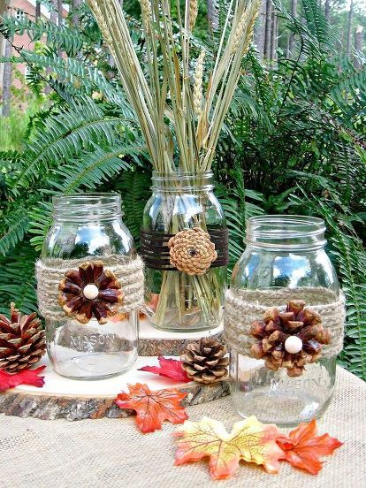 Creating Pine Cone Flowers for Fall Decorating #pineconeflowers