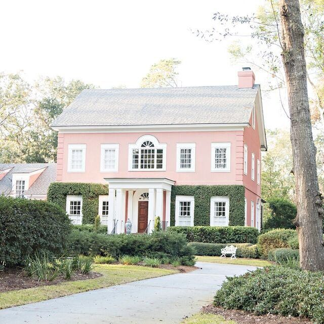 This is why pink houses are always a good idea. #pinkhouse ...