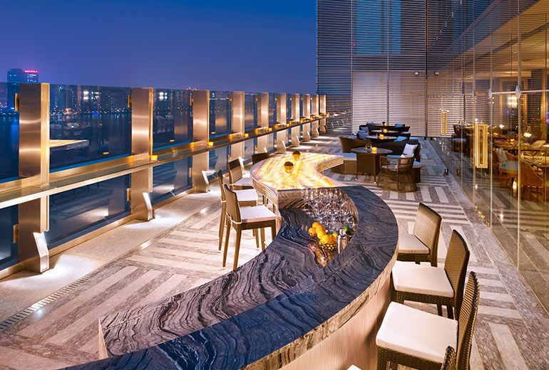 The azure qiantang a luxury collection hotel hangzhou for Top of the terrace restaurant