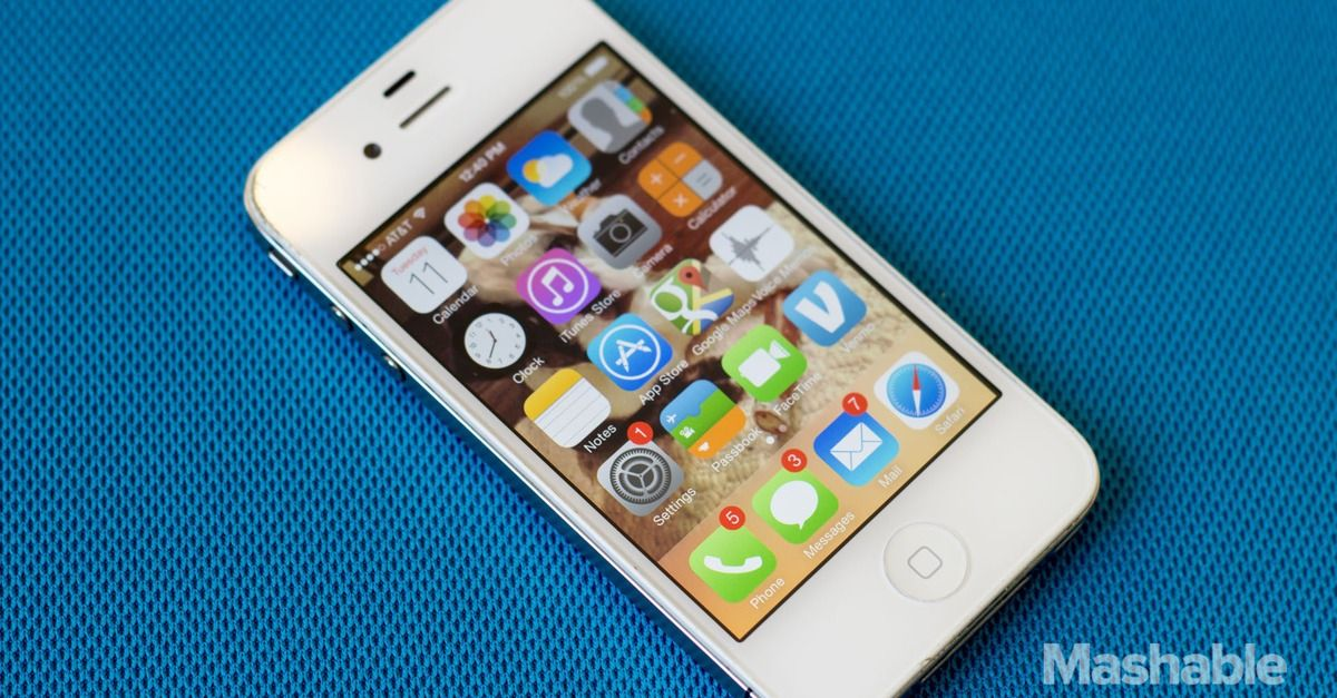 Apple Faces 5 Million Lawsuit Over Allegedly Slowing The Iphone 4s With Ios 9 Iphone 4s Iphone Apple