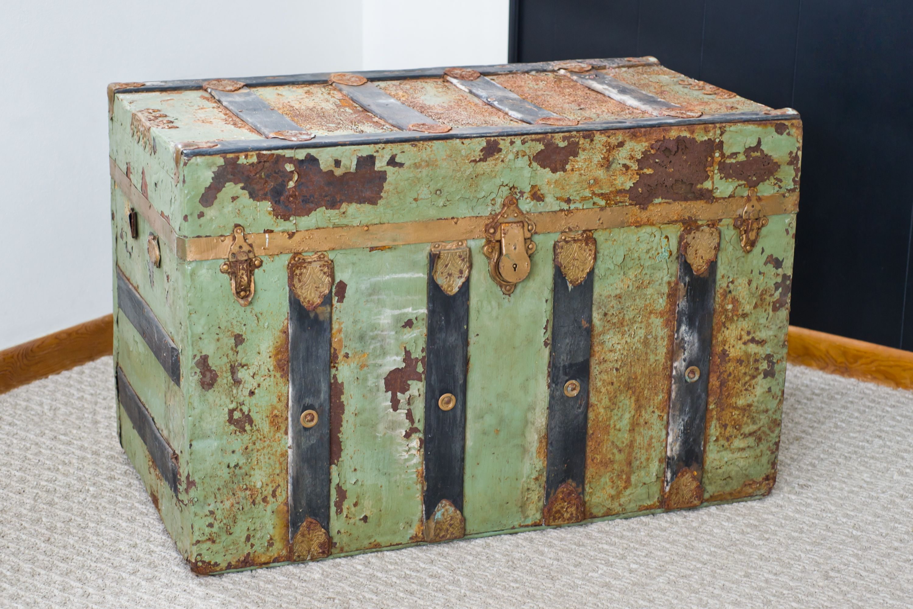 Do It Yourself Trunk Refinishing | Painted trunk, Old