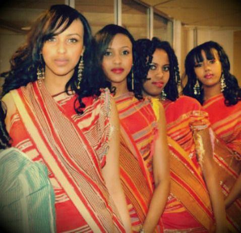 Classic Guntinos....traditional Somali wedding attire ... |Traditonal Somali Weddings