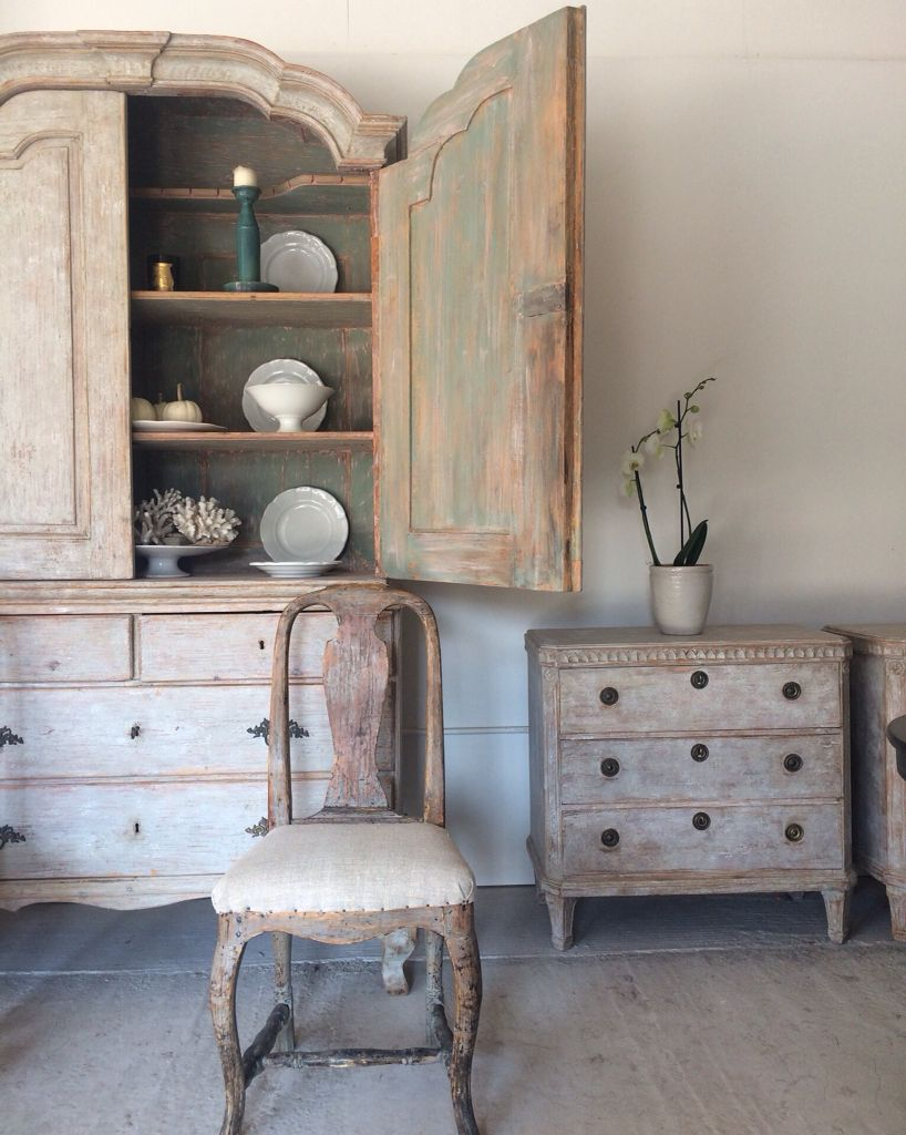 New Arrivals at Anton & K Swedish Antiques with hand scraped Patina - New Arrivals At Anton & K Swedish Antiques With Hand Scraped