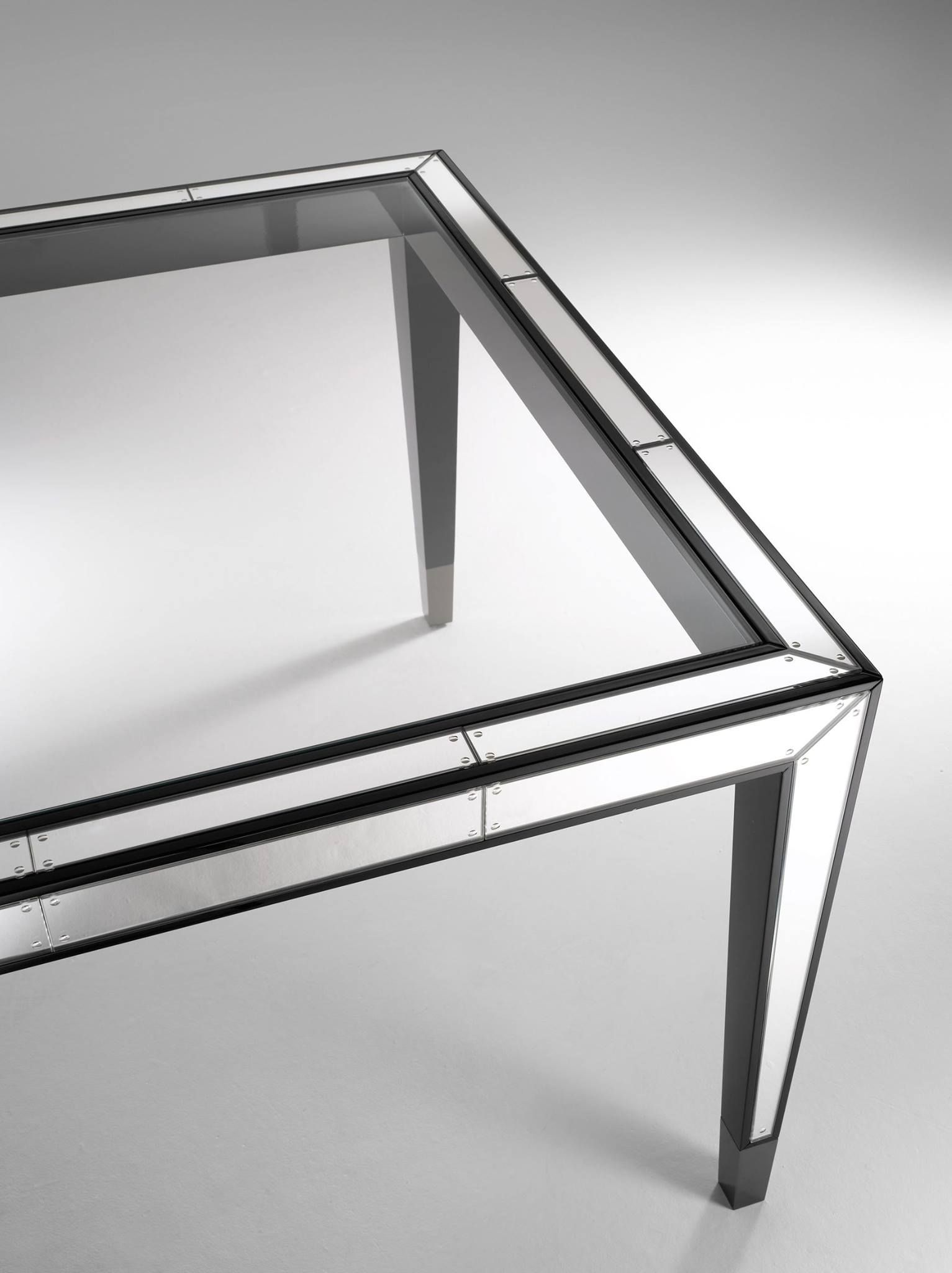 Detail Table In Hand Engraved Not Antiqued Extraclear Mirror Top  # Meuble Transparent