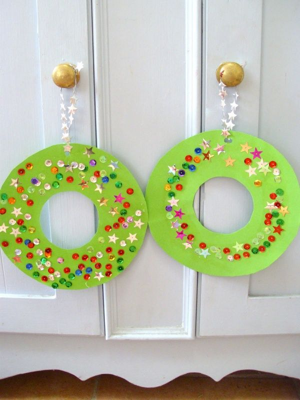 Kids Craft - Christmas Wreaths - simple yet so pretty and effective