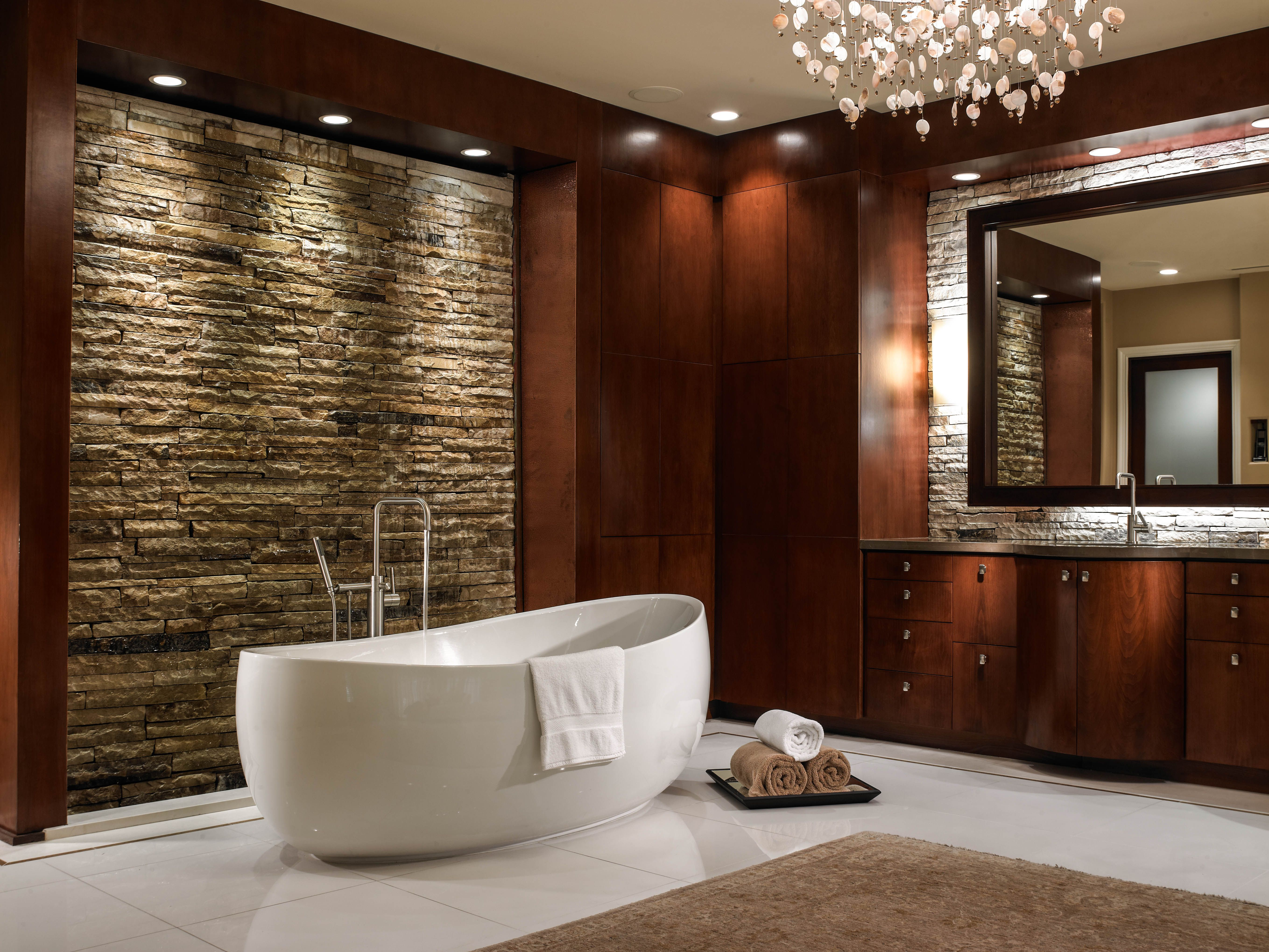 Picasso Freestanding Bathtub from the Maestro Collection by Hydro ...